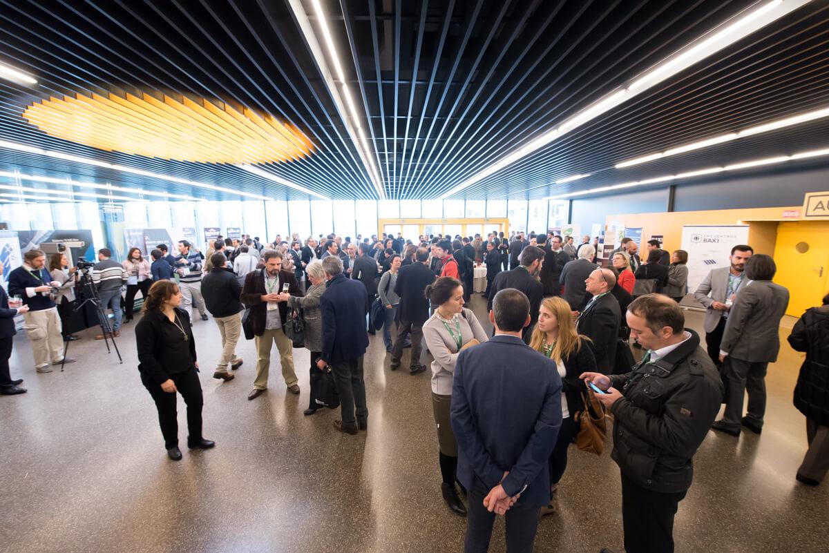Pausa de Cafén en Zona de Expositores del 4 Congreso Edificios Energía Casi Nula