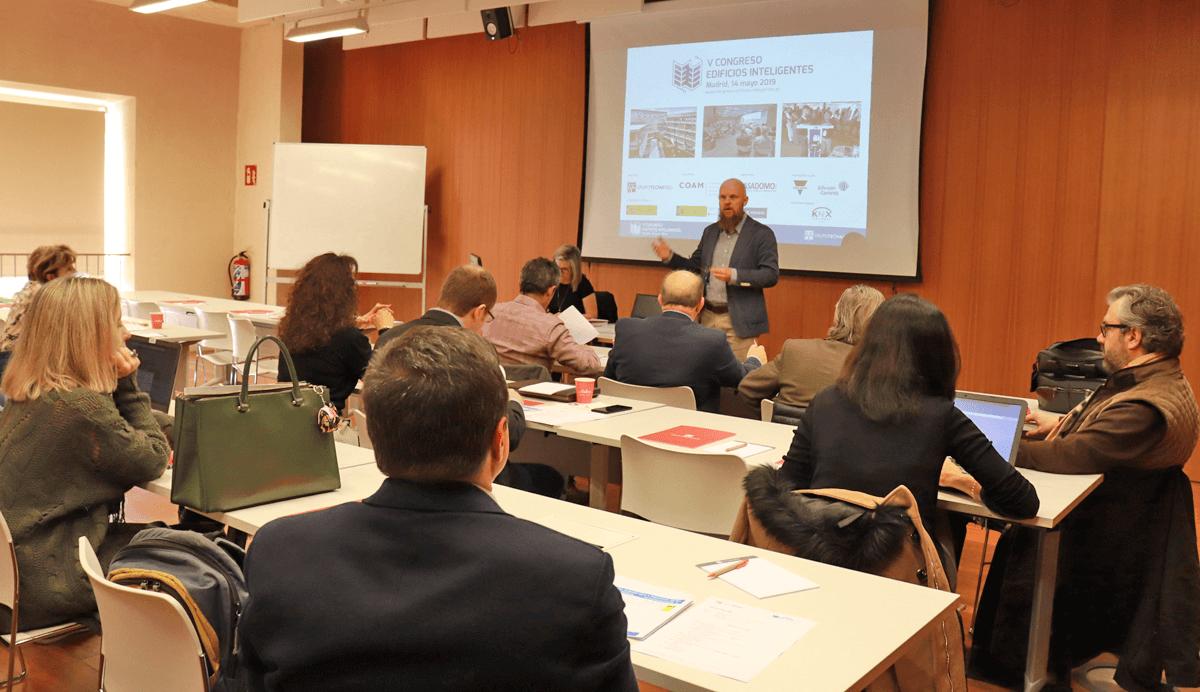Desarrollo de la segunda reunión del Comité Técnico del V Congreso Edificios Inteligentes